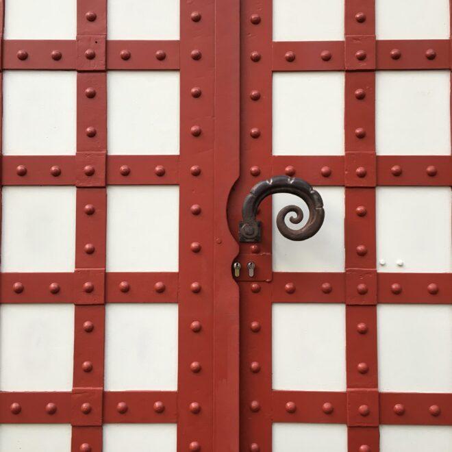 Tür an der Markthalle Stuttgart, Entwurf: Martin Elsässer