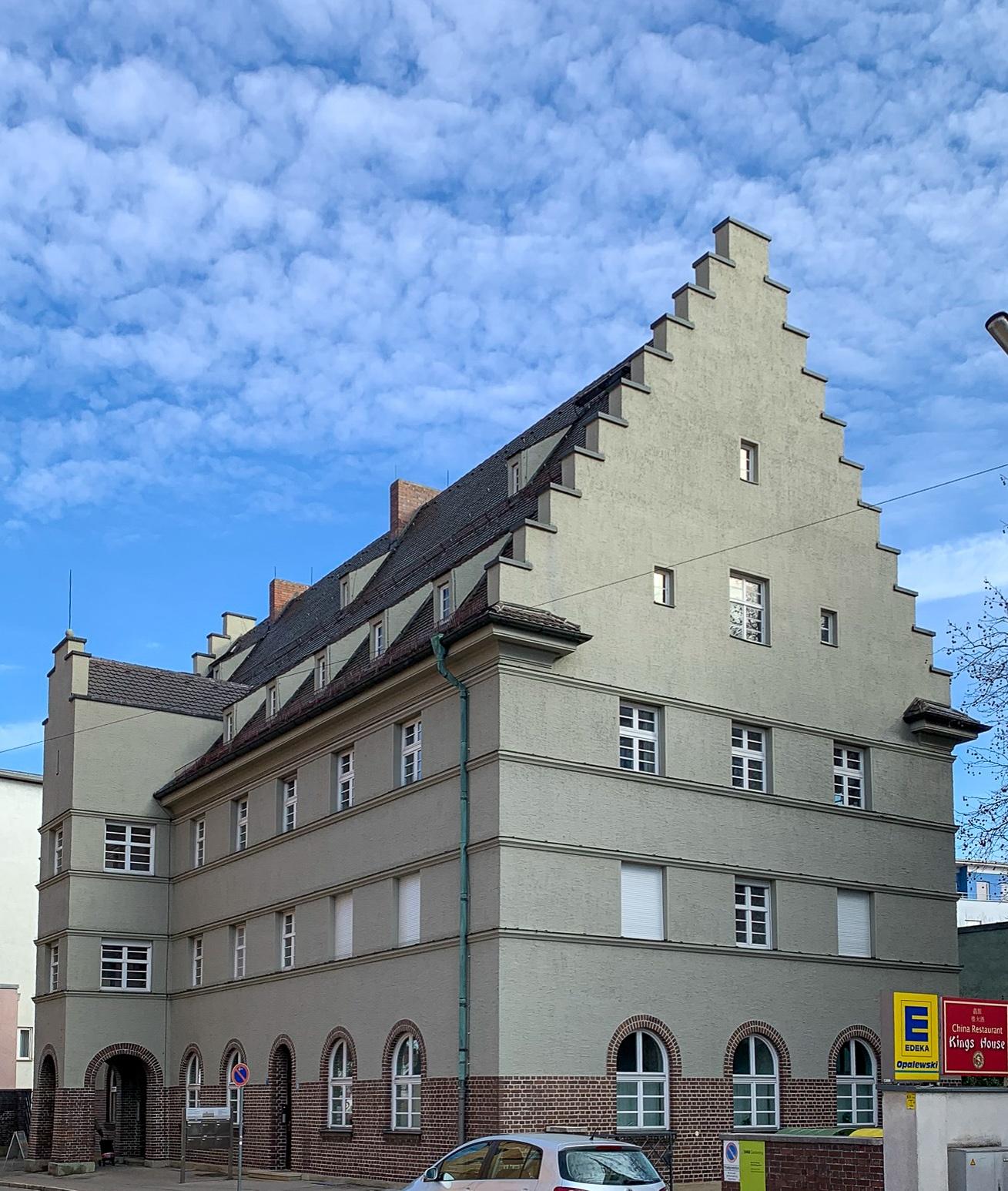 Postamt, 1922-1925. Architekt: Thomas Wechs