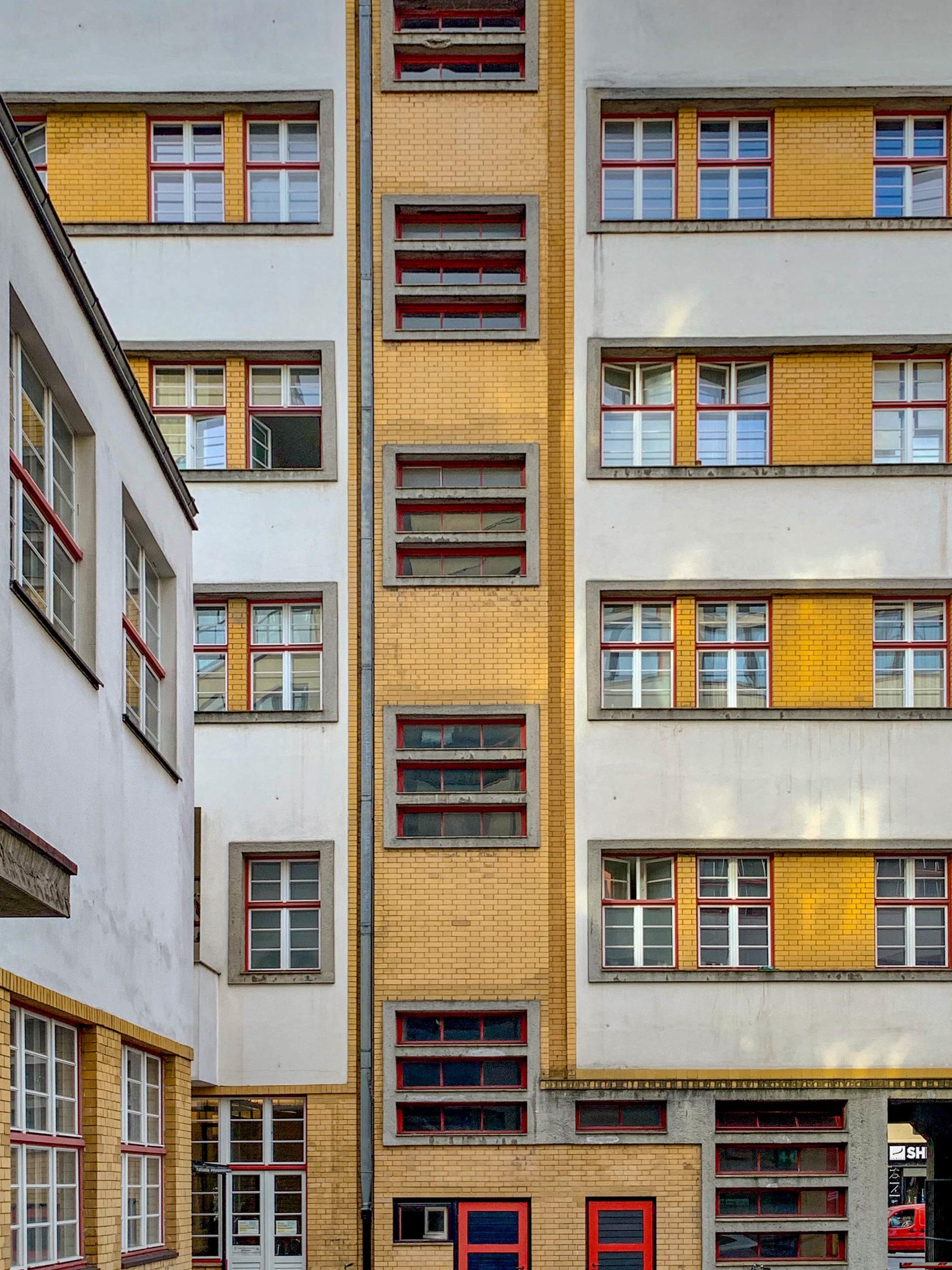 Verbandshaus der Deutschen Buchdrucker, 1924-1926. Architekten: Max Taut, Franz Hoffmann, Karl Bernhard