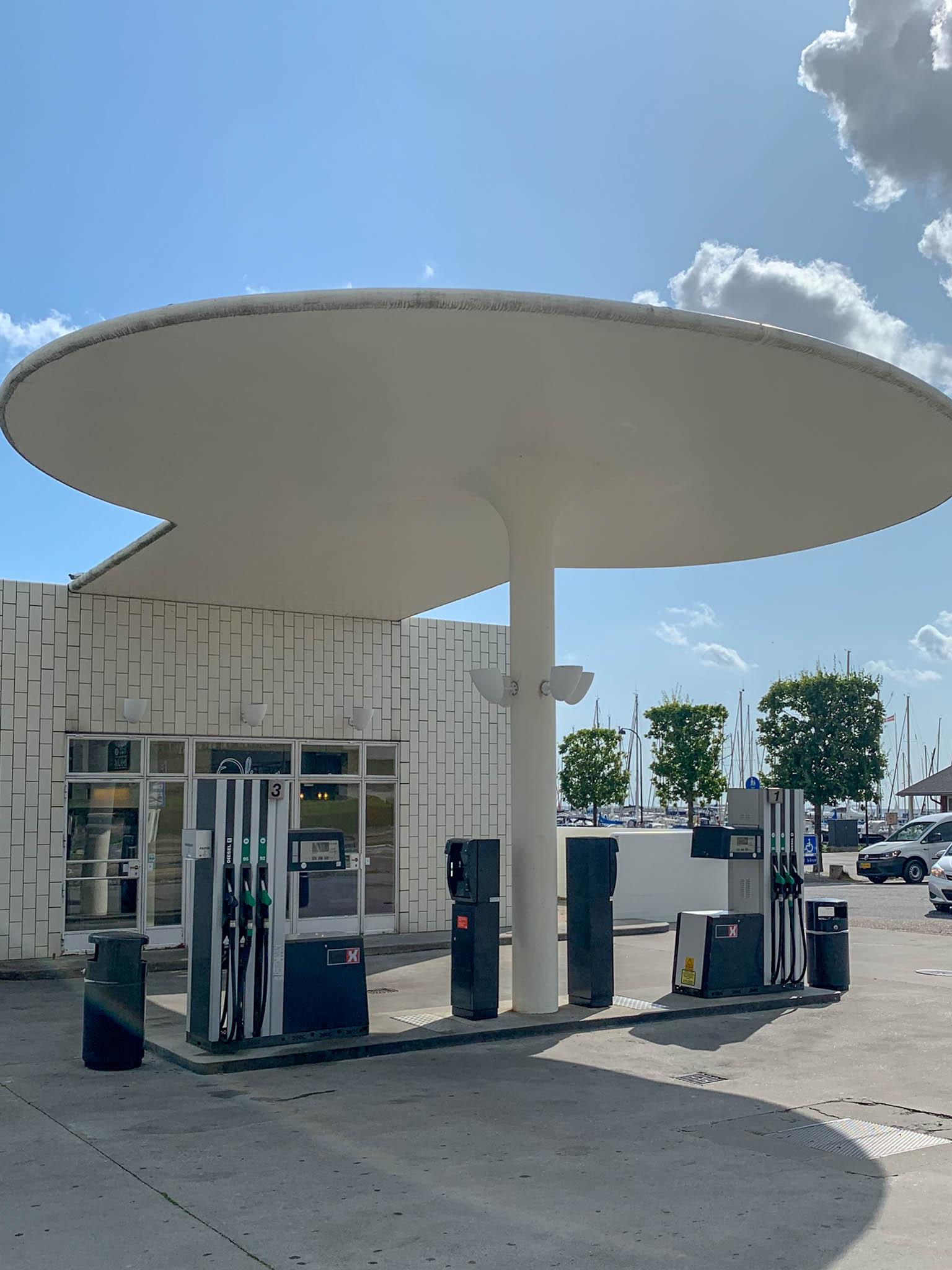 Skovshoved Petrol Station, 1936. Architect: Arne Jacobsen