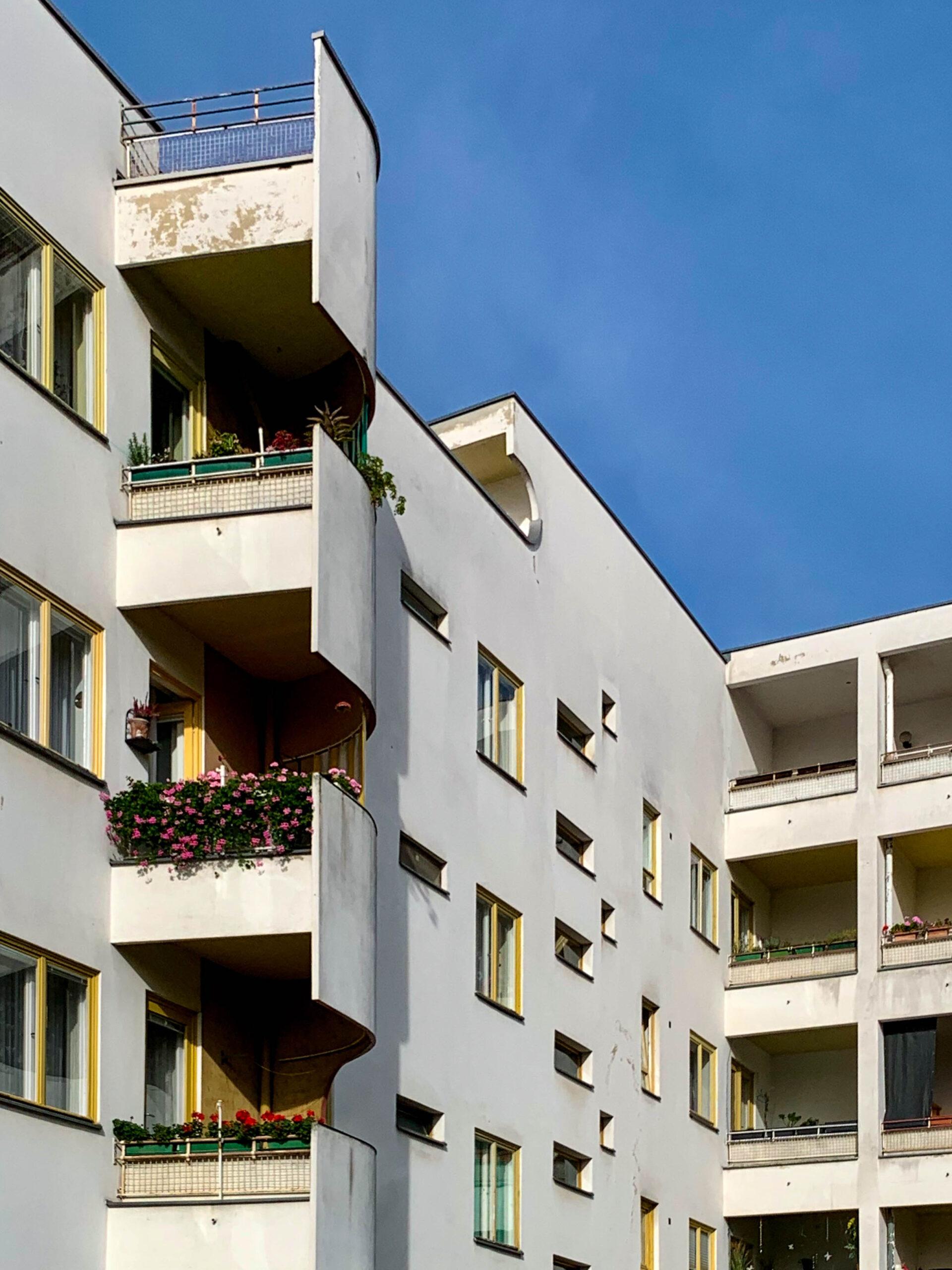 Residential complex v, 1929-1930. Architect: Hans Scharoun