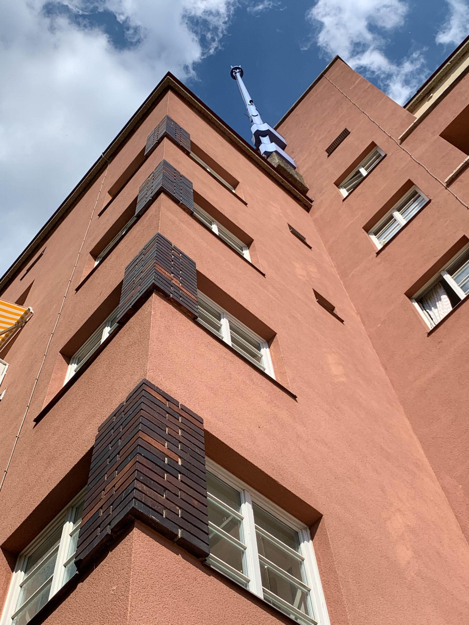 Karl-Marx-Hof, 1926-1930. Architekt: Karl Ehn