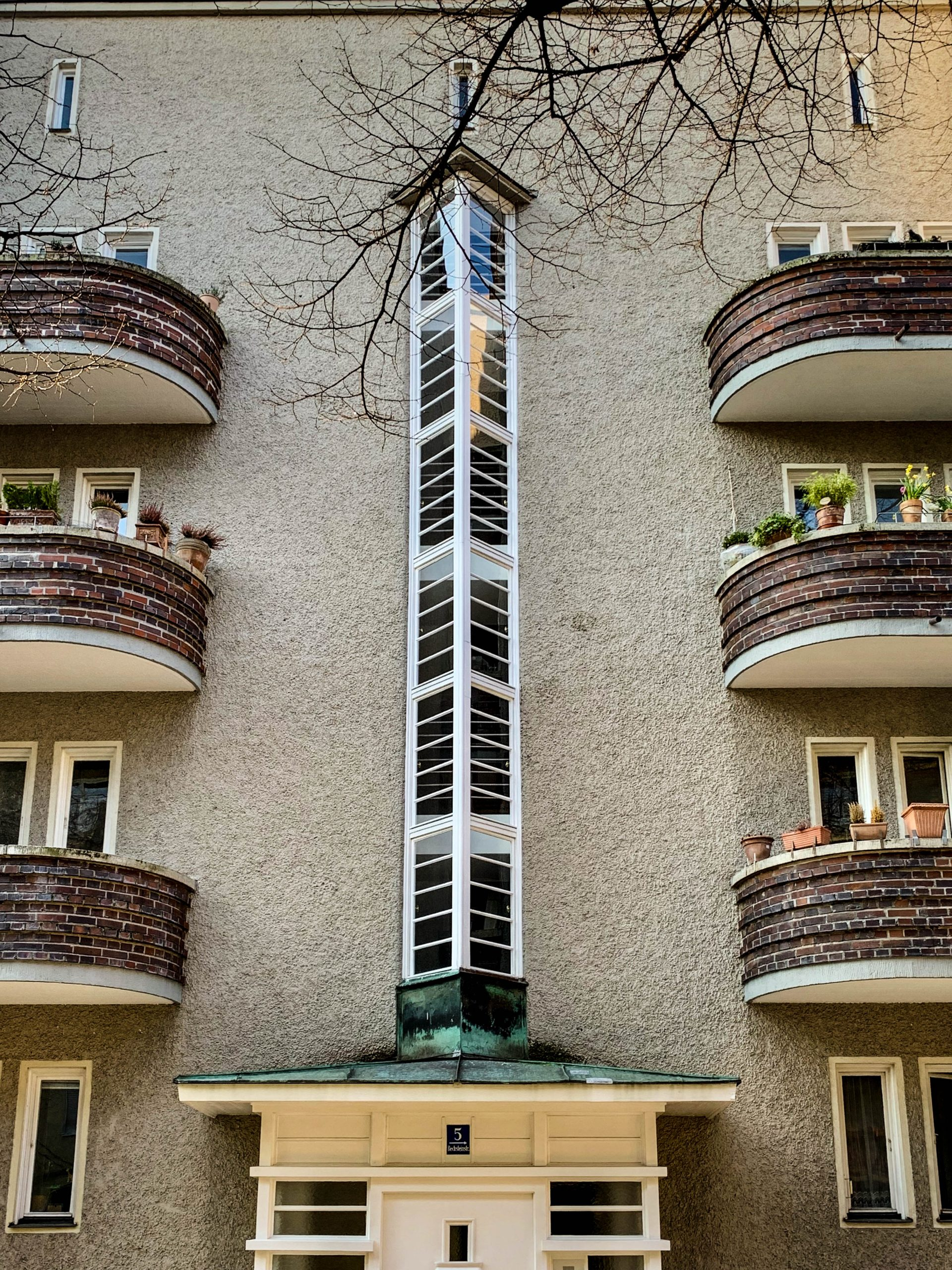 Residential complex, 1929-1930. Architects: Otho Orlando Kurz, Eduard Herbert