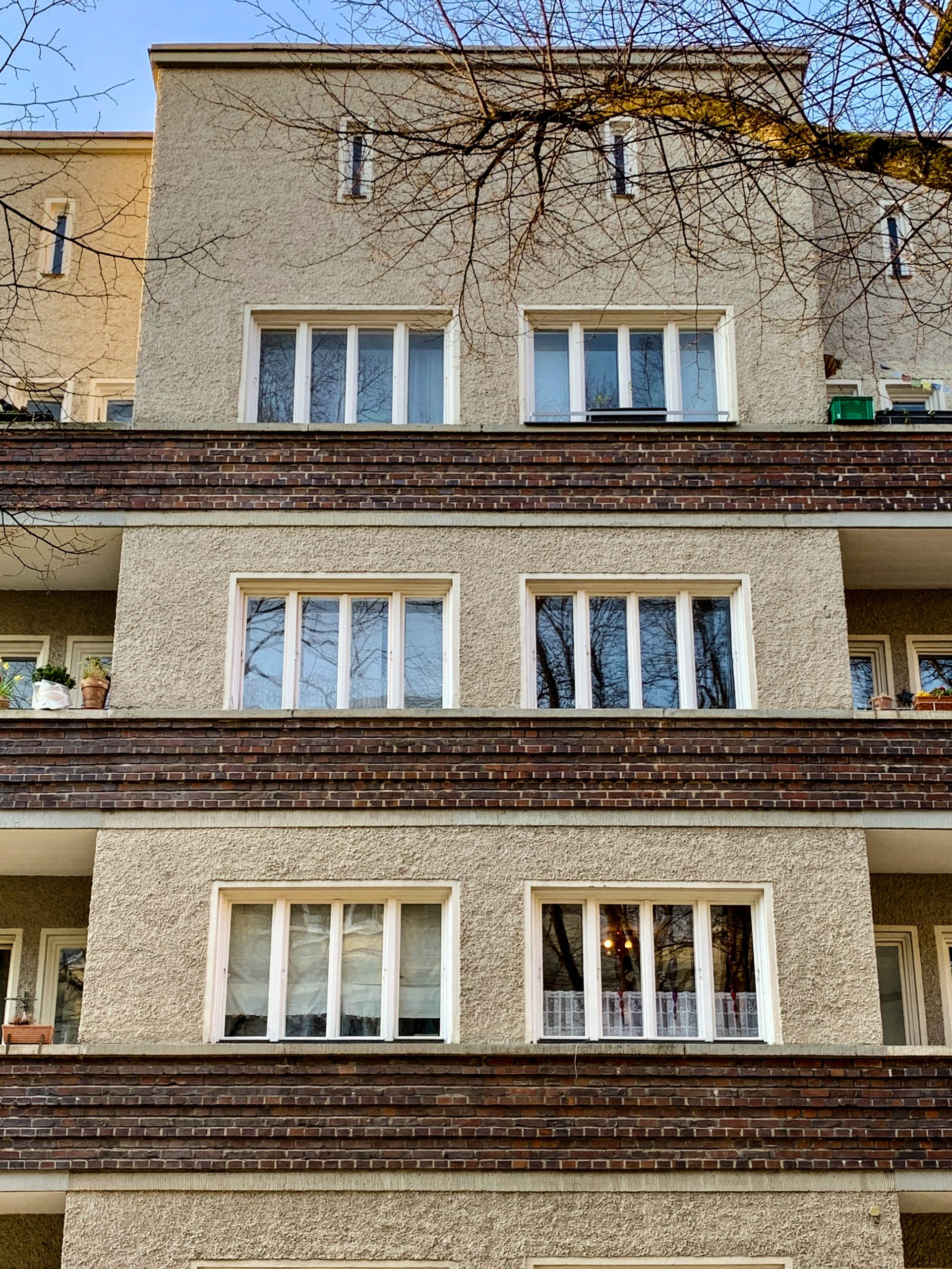Wohnanlage, 1929-1930. Architekten: Otho Orlando Kurz, Eduard Herbert