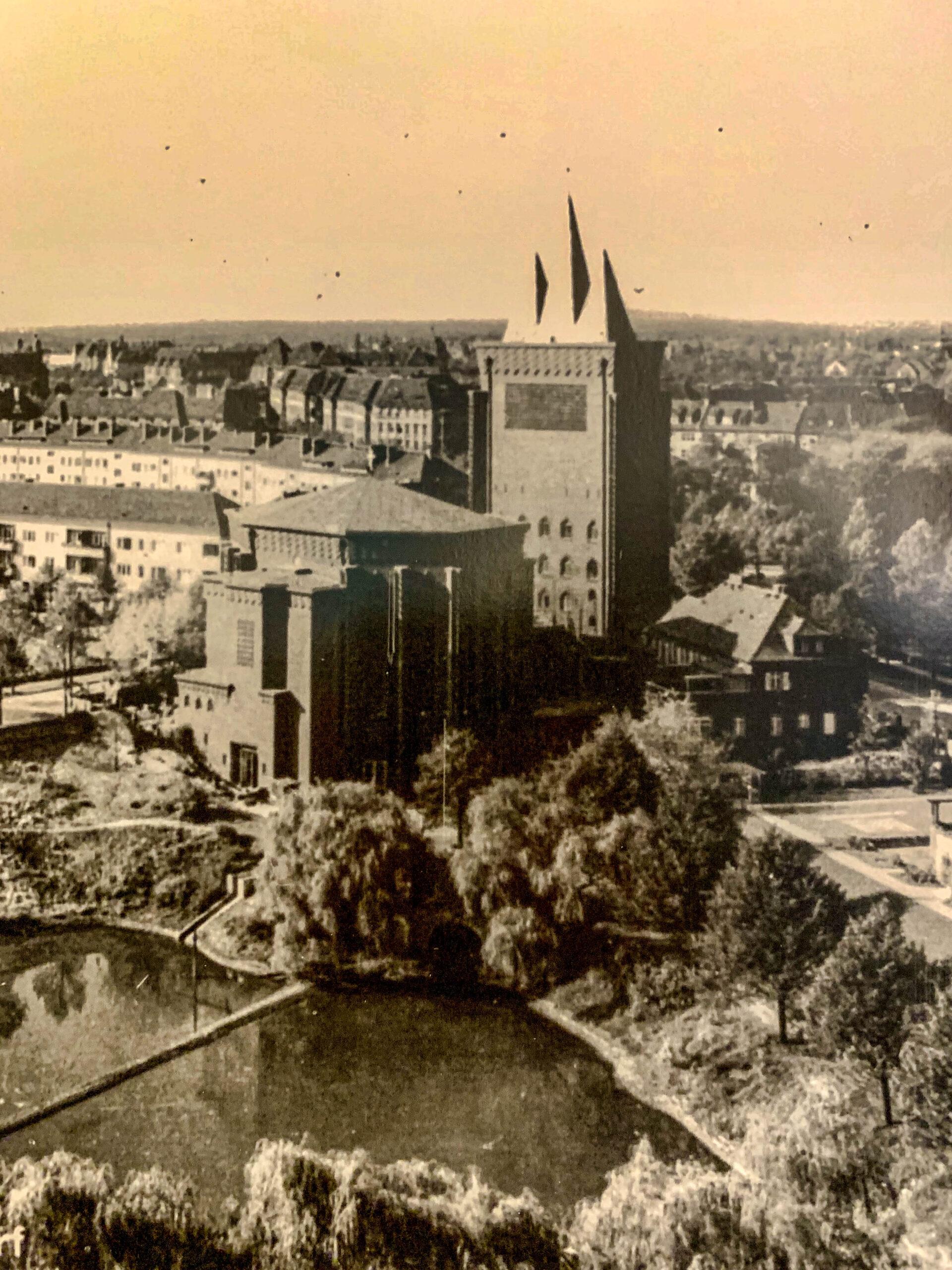 Kreuzkirche, 1927-1929. Architects: Ernst and Günther Paulus