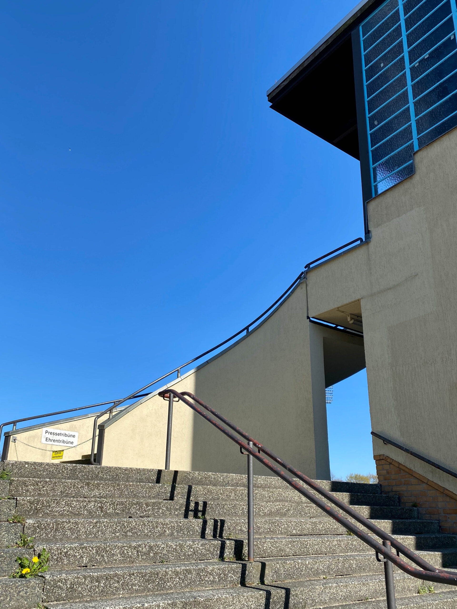 Mommsenstadion, 1930. Architekt: Fred Forbát