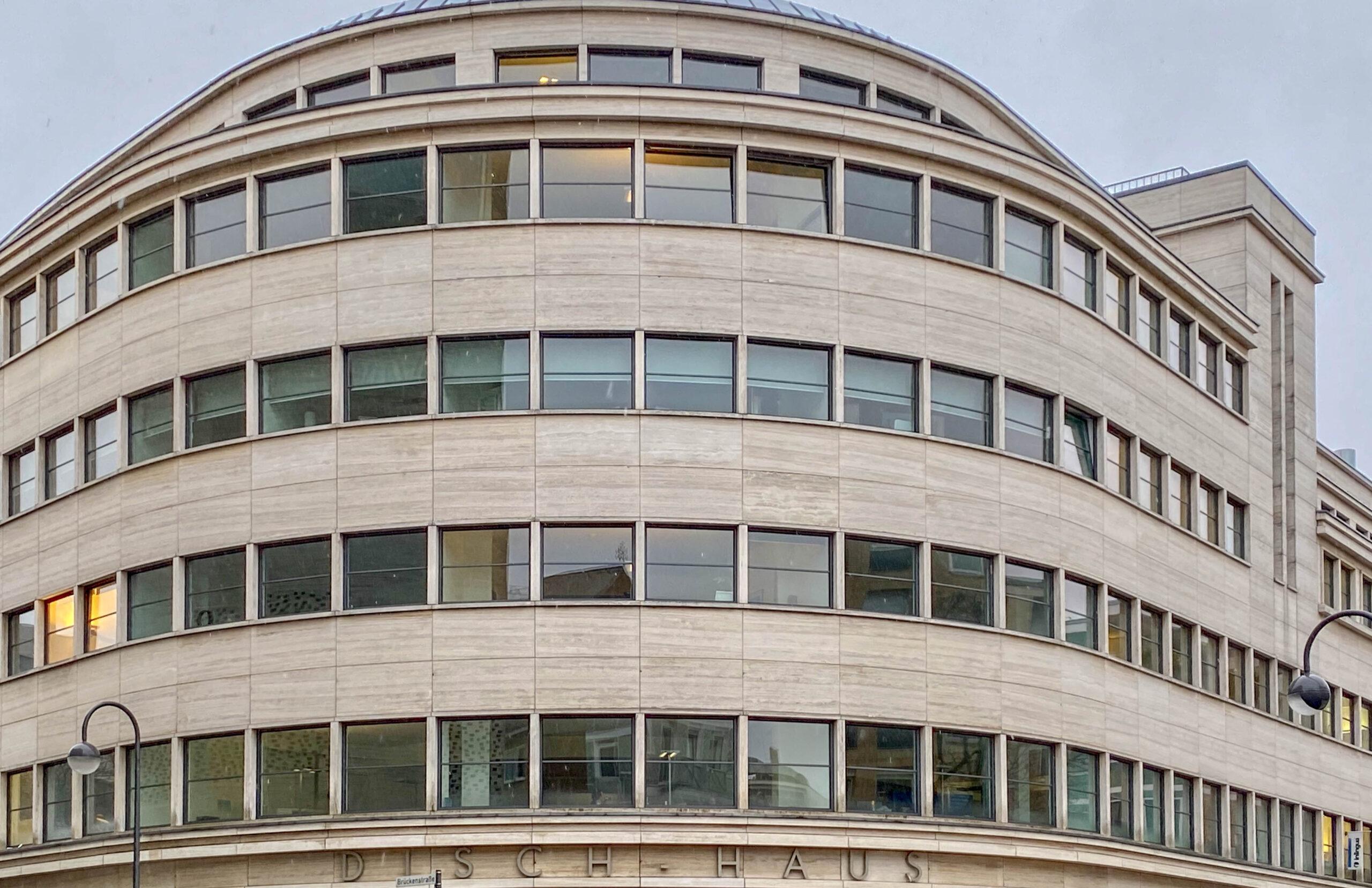Dischhaus, 1928-1930. Architekten: Bruno Paul, Franz Weber
