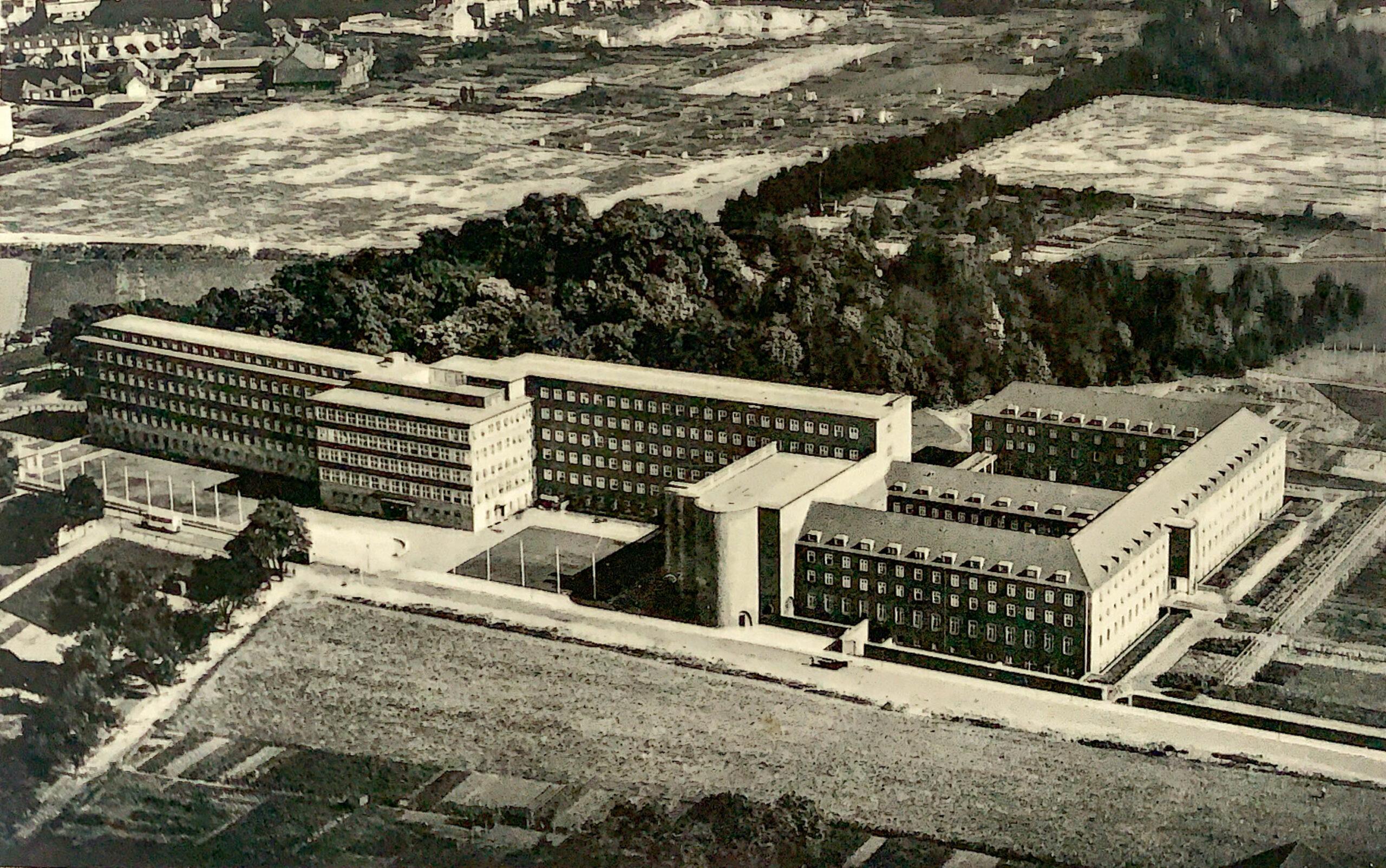 Krankenhaus Sankt Elisabeth., Köln-Hohenlind. Architekten: Hans Tiefmann, Karl Haake