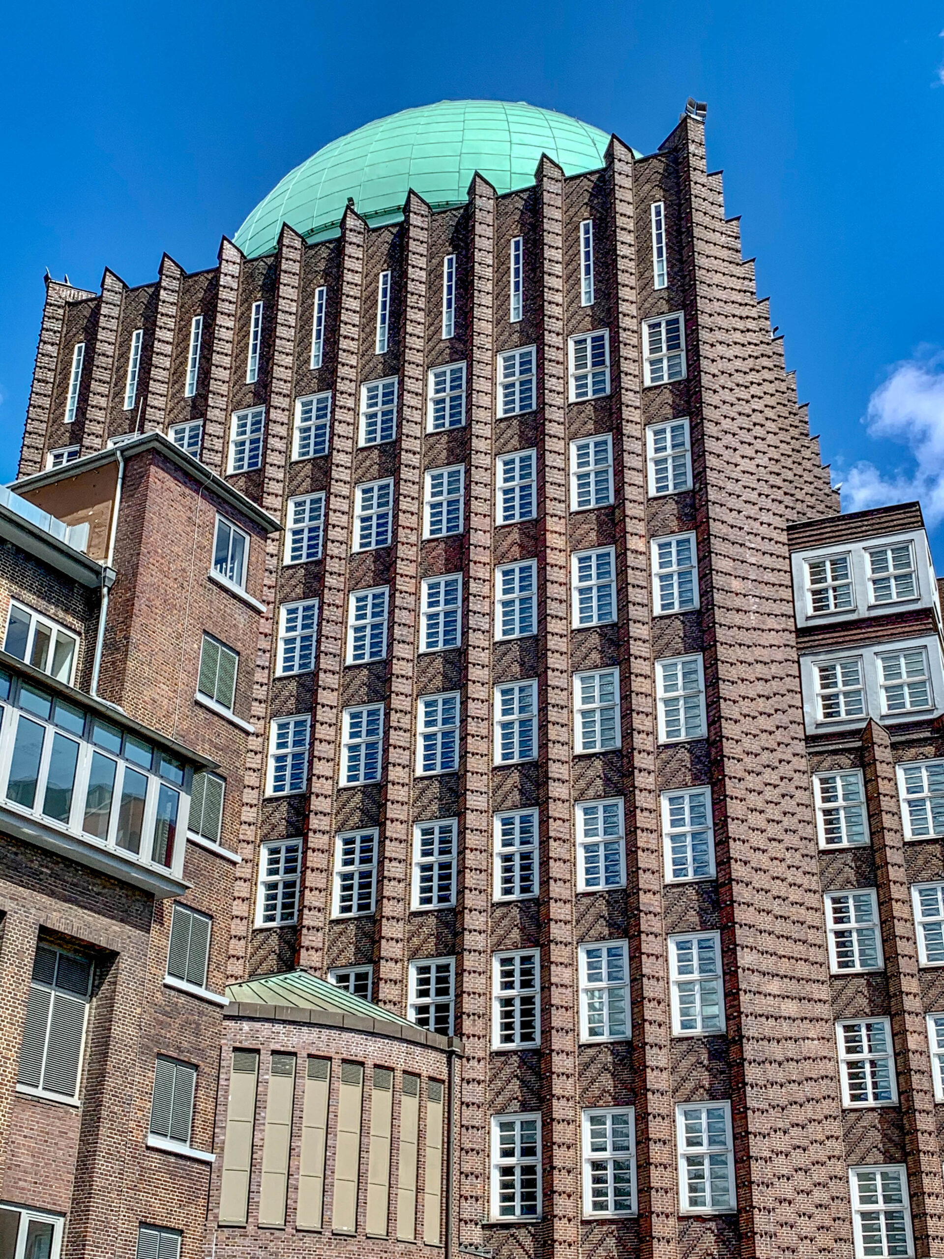 Anzeiger-Hochhaus, 1927-1928. Architect: Fritz Höger