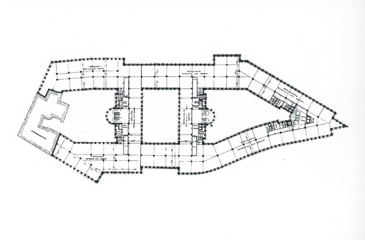 Floorplan. Chilehaus, 1922-1924. Architect: Fritz Höger